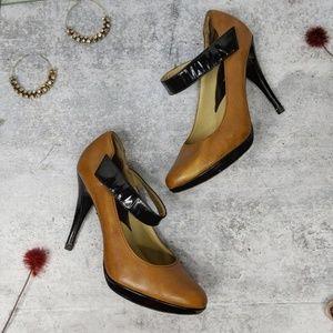 MICHAEL KORS retro style two tone leather heel SB5